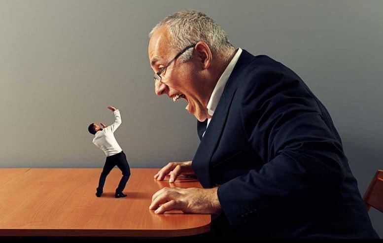 nhân viên bỏ việc vì sếp