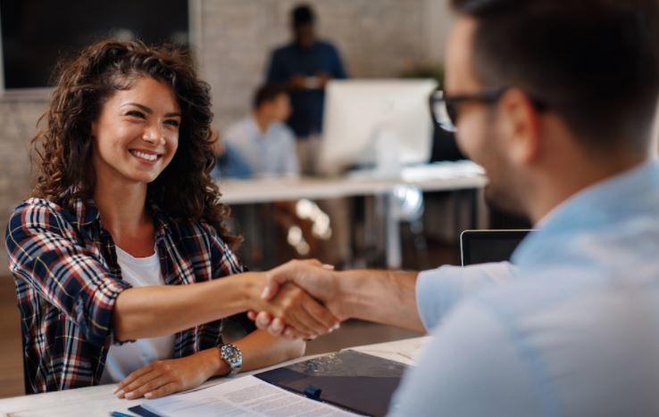 cách giao tiếp với khách hàng hiệu quả