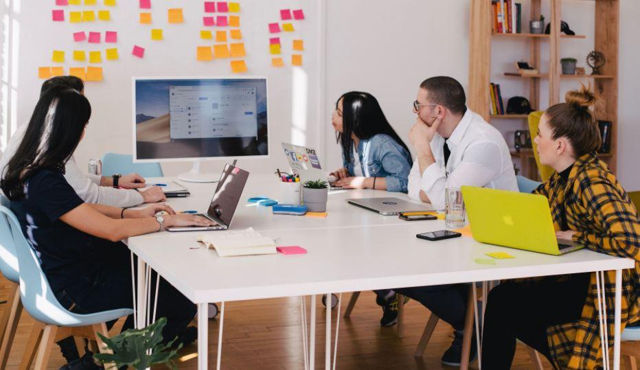 Design thinking là gì? Ví dụ và ứng dụng design thinking trong kinh doanh